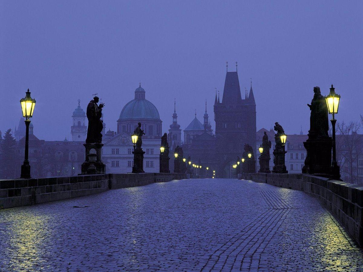 LaFerrari terrorizza il centro di Praga