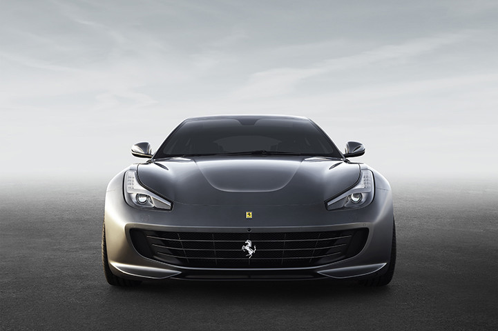 Debutta la Ferrari GTC4Lusso
