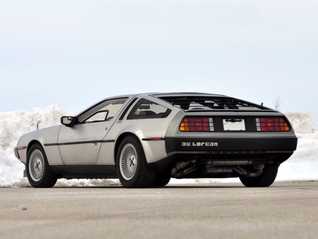 DMC-12 DeLorean