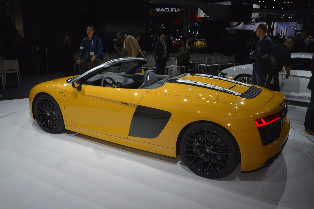 Nuova Audi R8 Spyder V10