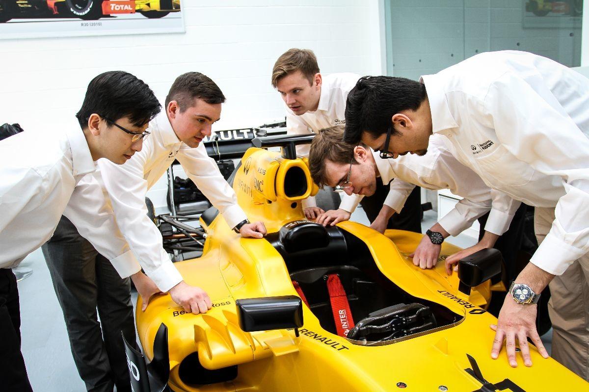 Tommaso Volpe, Direttore mondo Infiniti Motorsport, ci racconta la Infiniti Engineering Academy 2016