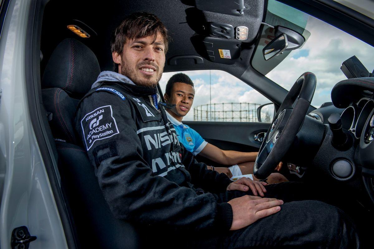 Nissan, calciatori professionisti diventano piloti