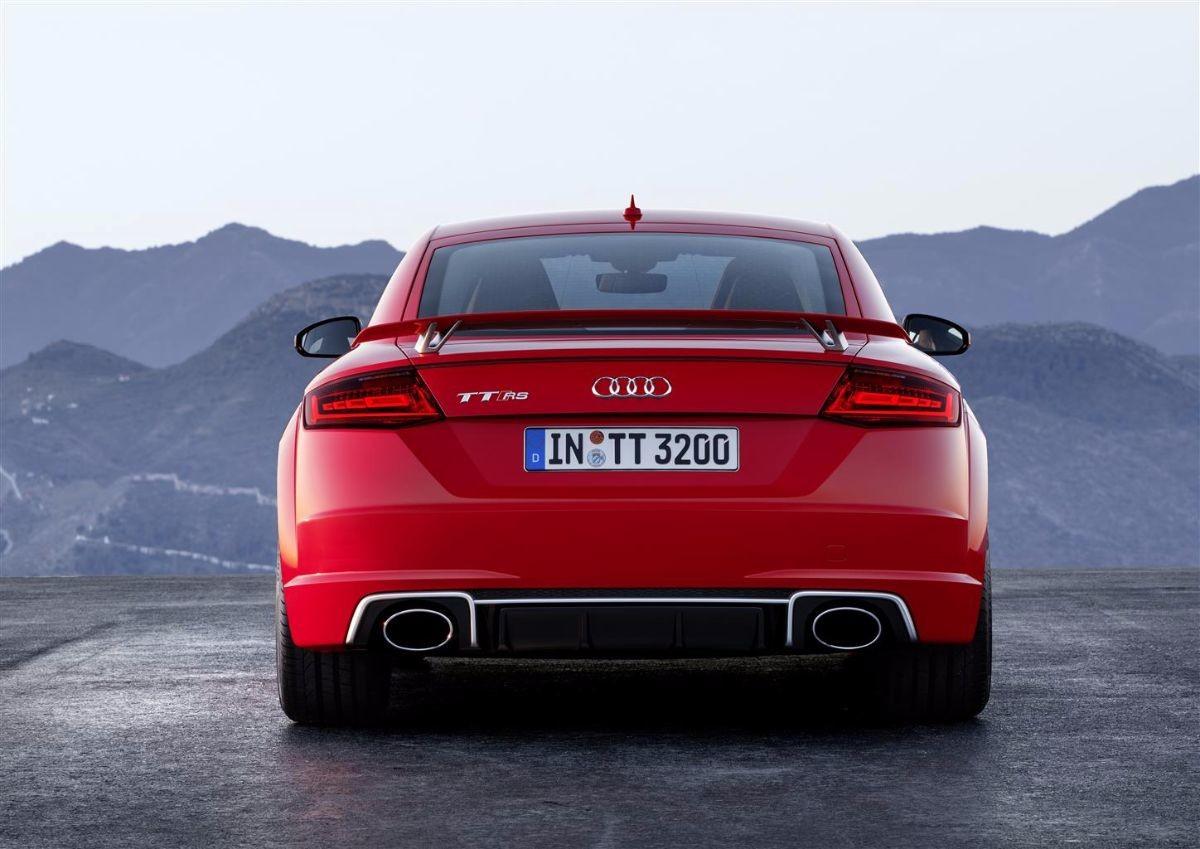 La nuova Audi TT RS fa sul serio