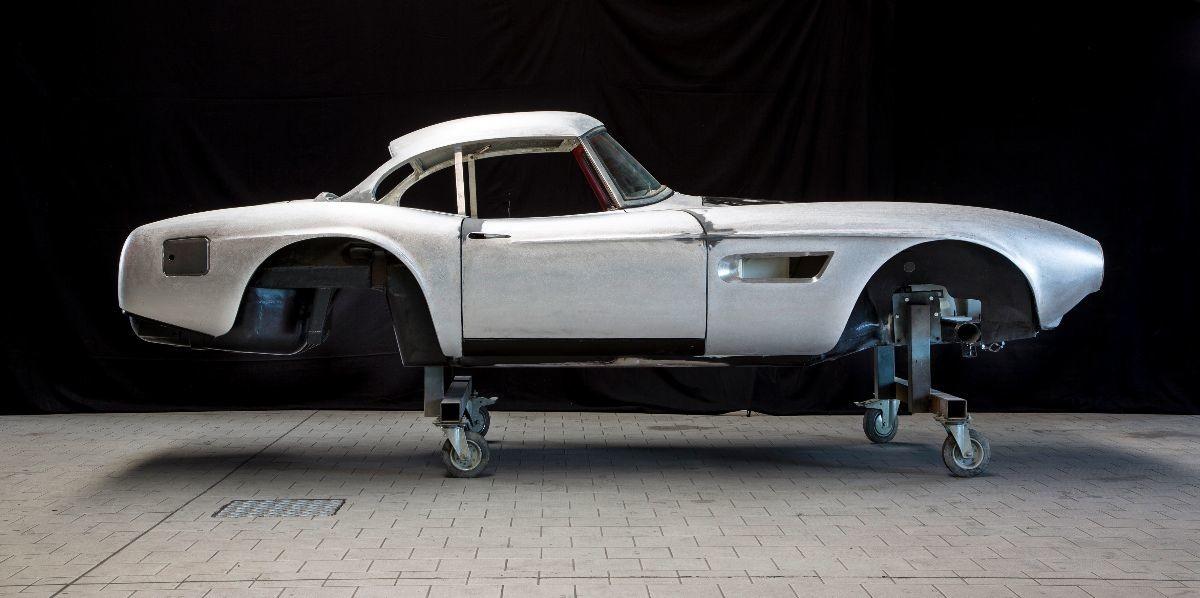 La BMW 507 guidata da Elvis Presley