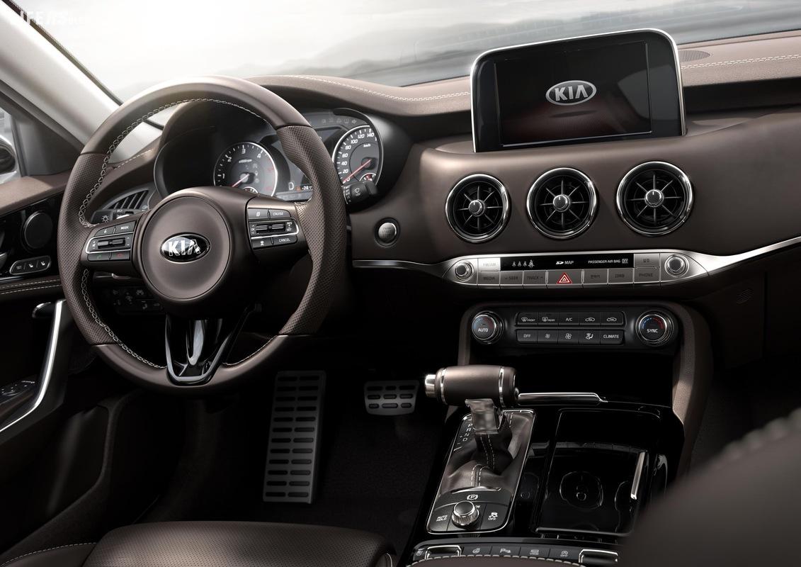Kia Stinger fa il suo debutto al Nord American International Auto Show