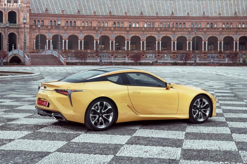 Lexus presenta la nuova coupé LC 500