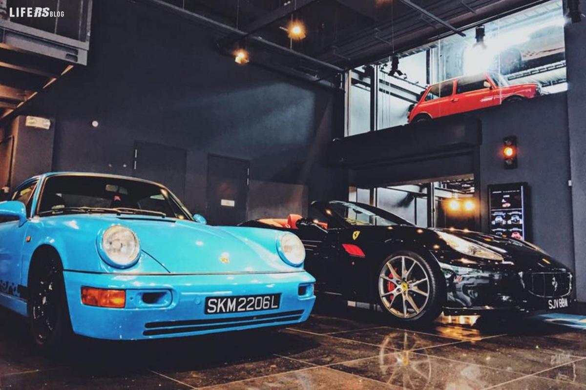 Autobahn Motors ha costruito un distributore automatico per auto.