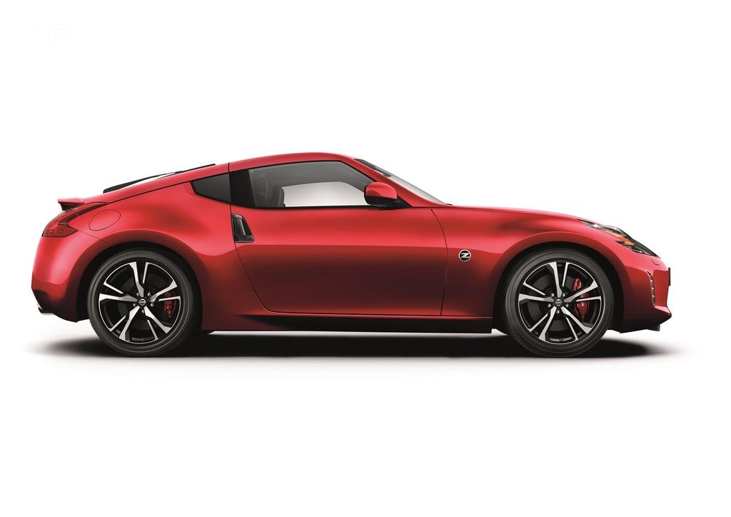 Nissan 370Z: prime immagini ufficiali della nuova coupè
