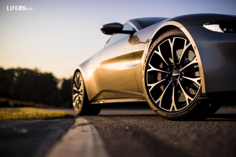 Vantage: Aston Martin presenta la seconda generazione