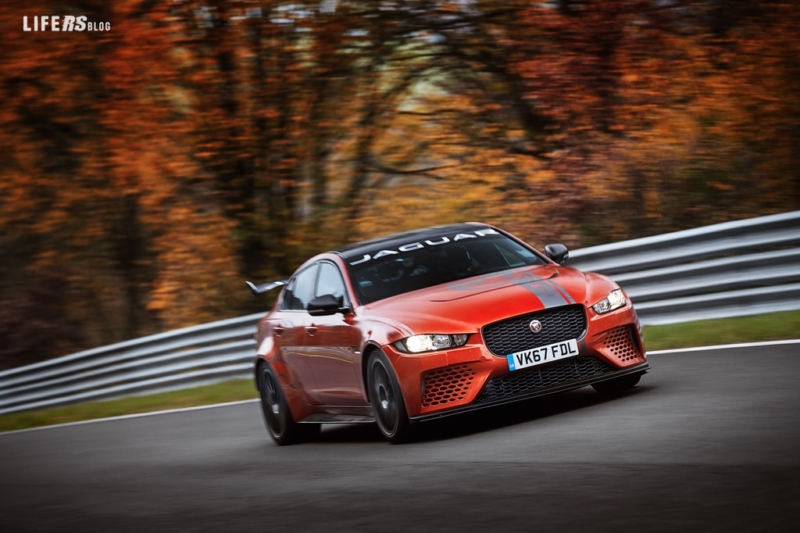 Jaguar XE SV Project 8: giro record al Nürburgring