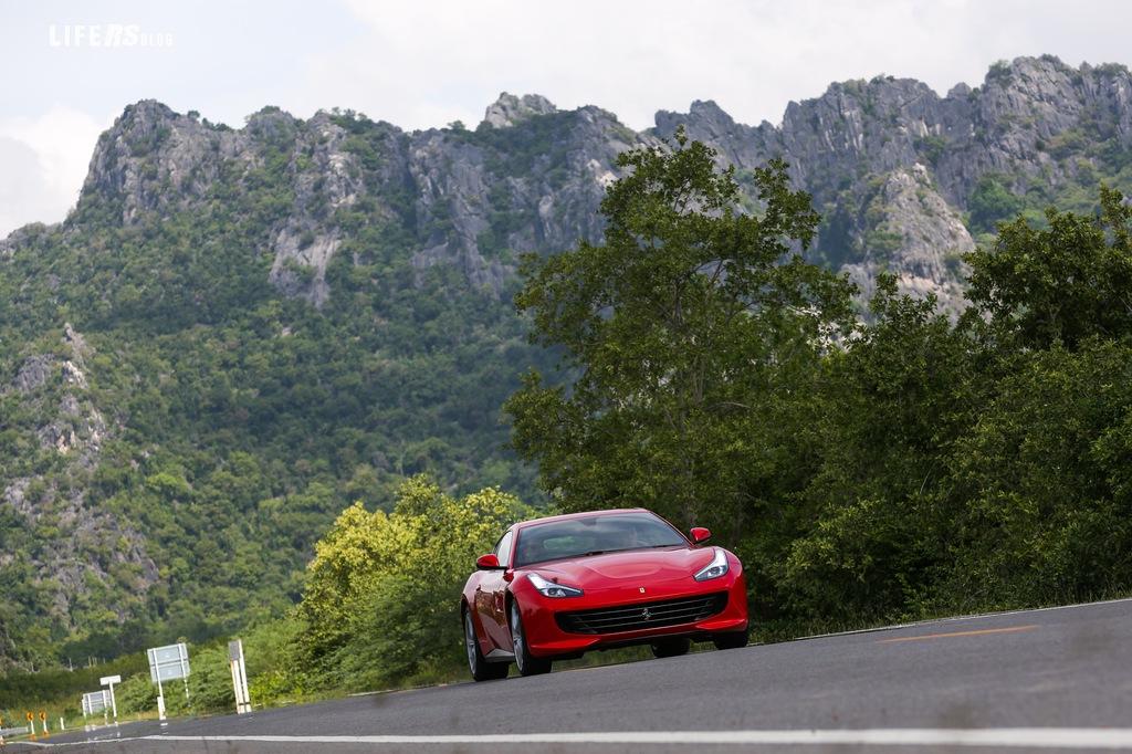 GTC4 Lusso T: test drive