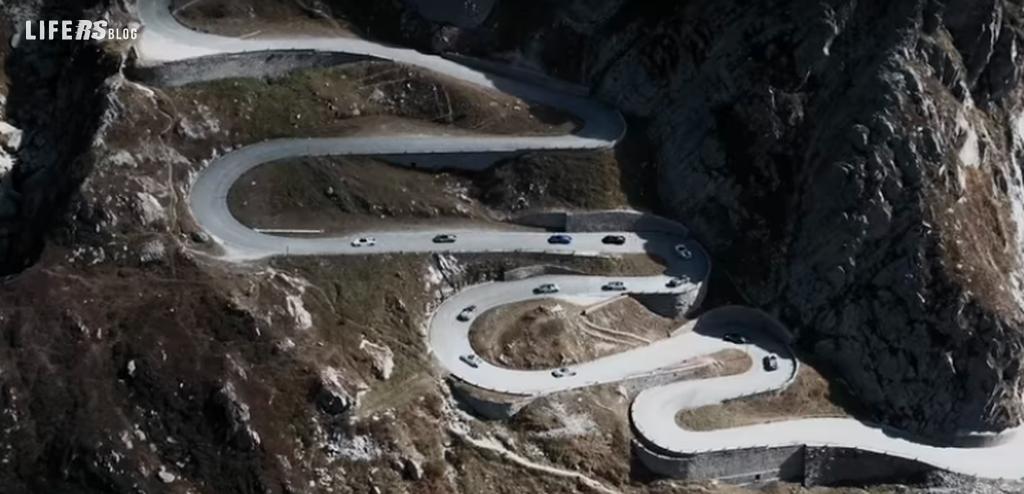 Porsche 918 Spyder alla conquista delle Alpi