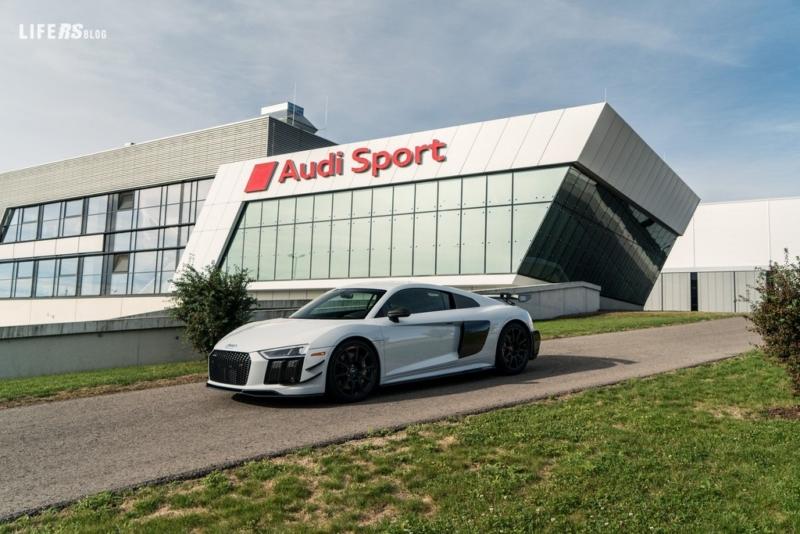 Coupé Competition, la nuova serie Audi R8 V10 Plus ultra limitata
