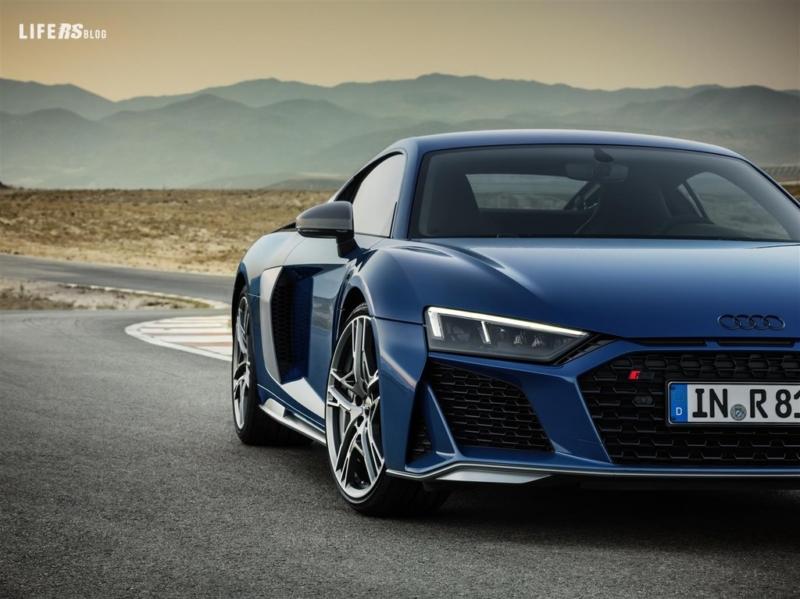 Audi R8: nessuna altra vettura di serie è così simile a un'auto da corsa
