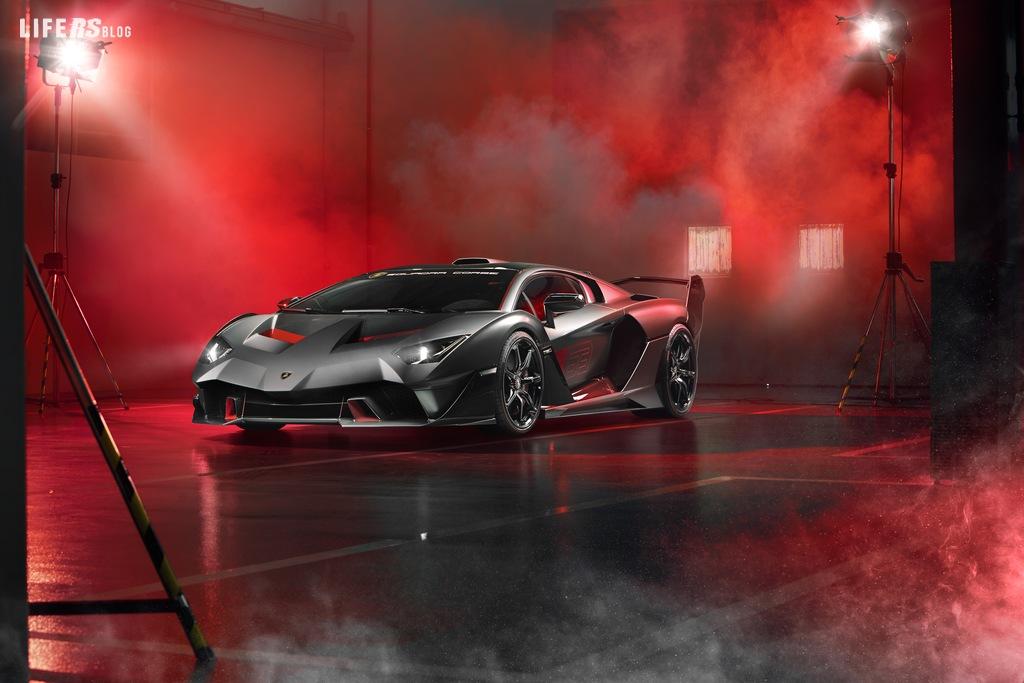 mborghini Squadra Corse presenta la SC18 Alston, la prima one-off nella storia del reparto motorsport di Sant'Agata Bolognese e la Urus ST-X Concept.