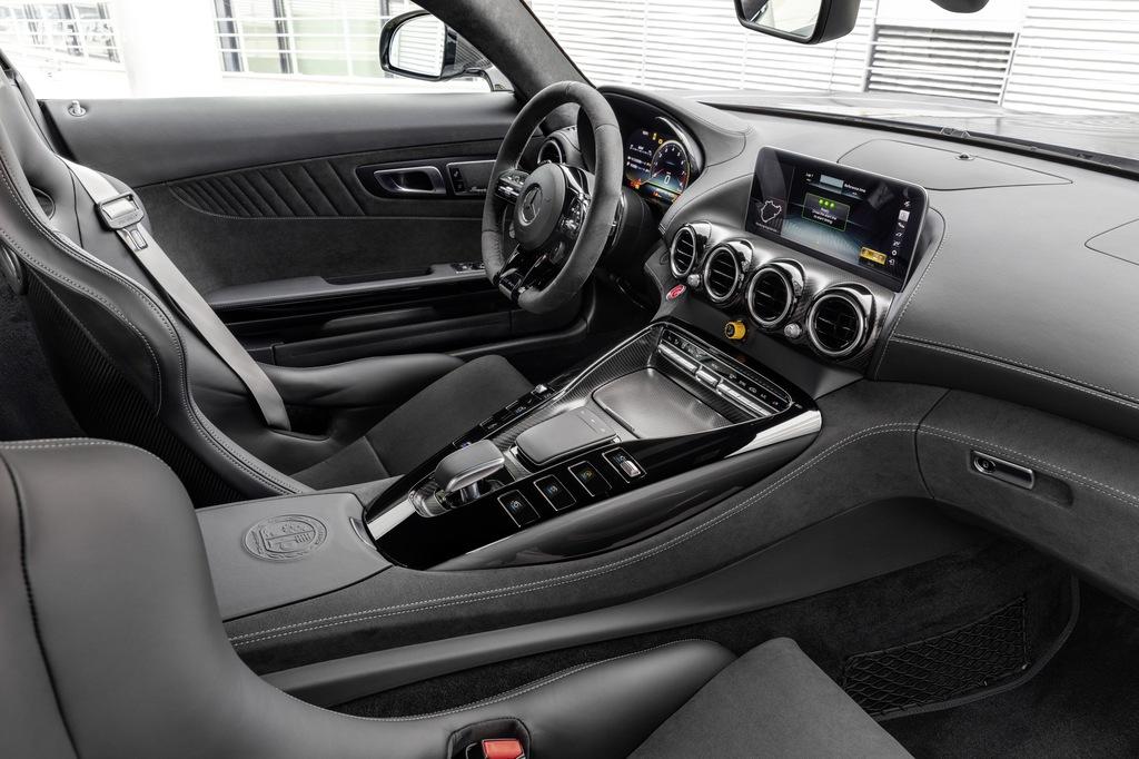 AMG GT R PRO: Più vicina che mai al Motorsport