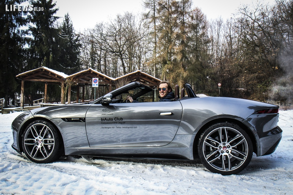 Primo test drive Jaguar F-Type R Dynamic Convertibile