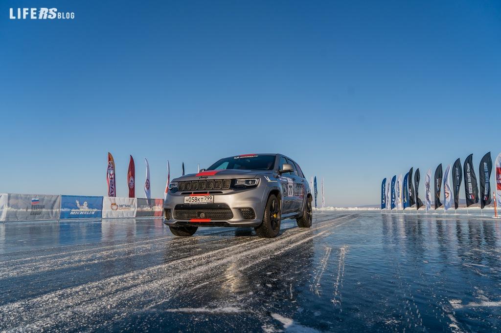 Grand Cherokee Trackhawk, stabilisce il record assoluto di velocità sul ghiaccio per SUV