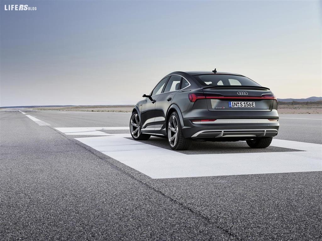 Audi e-tron S e S Sportback: 3 motori e 503 CV per l'elettrica