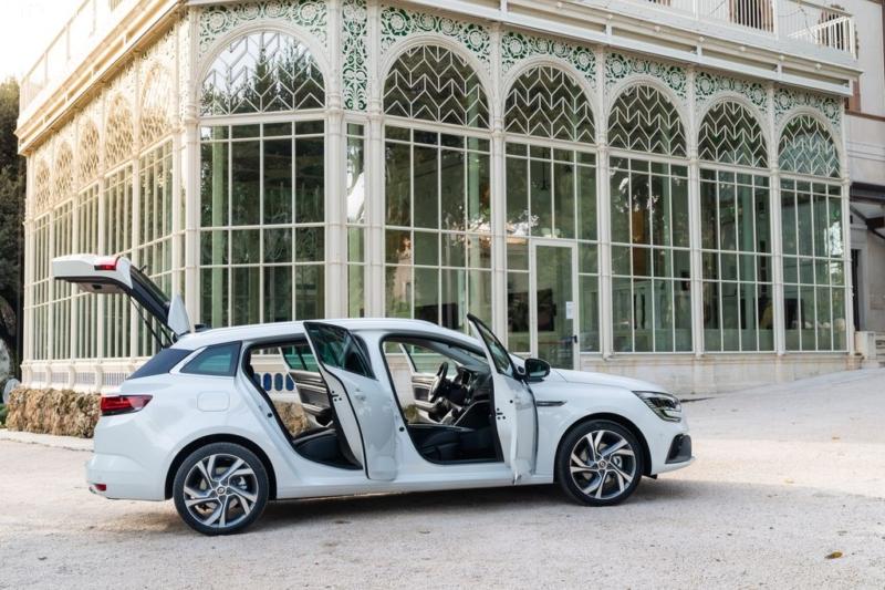 Sporter, la Nuova Mégane E-TECH Plug-in Hybrid