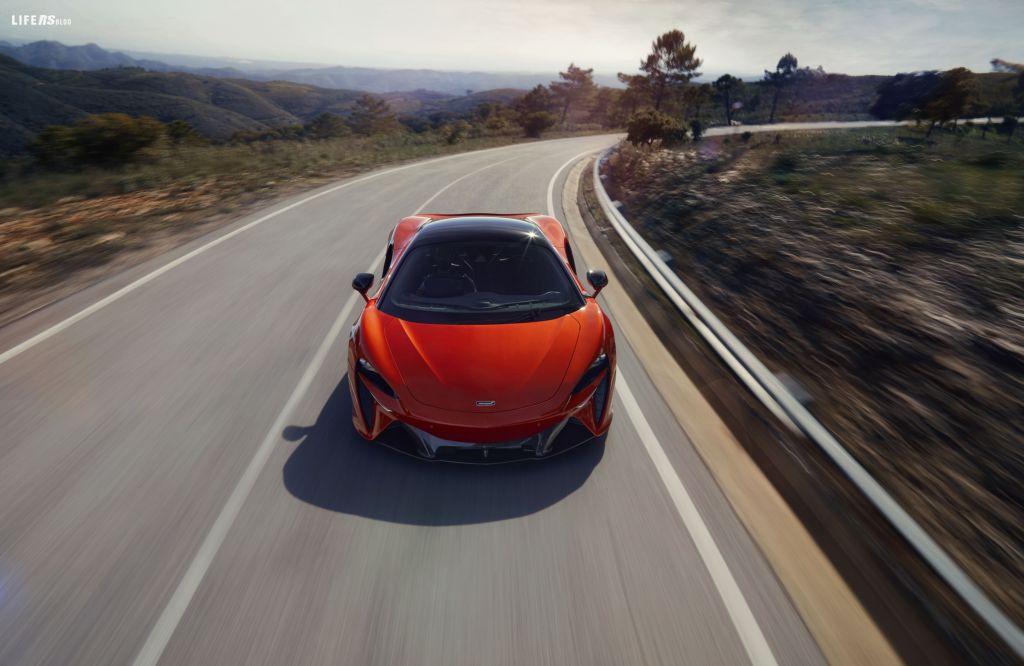 Artura, nuova era delle supercar McLaren