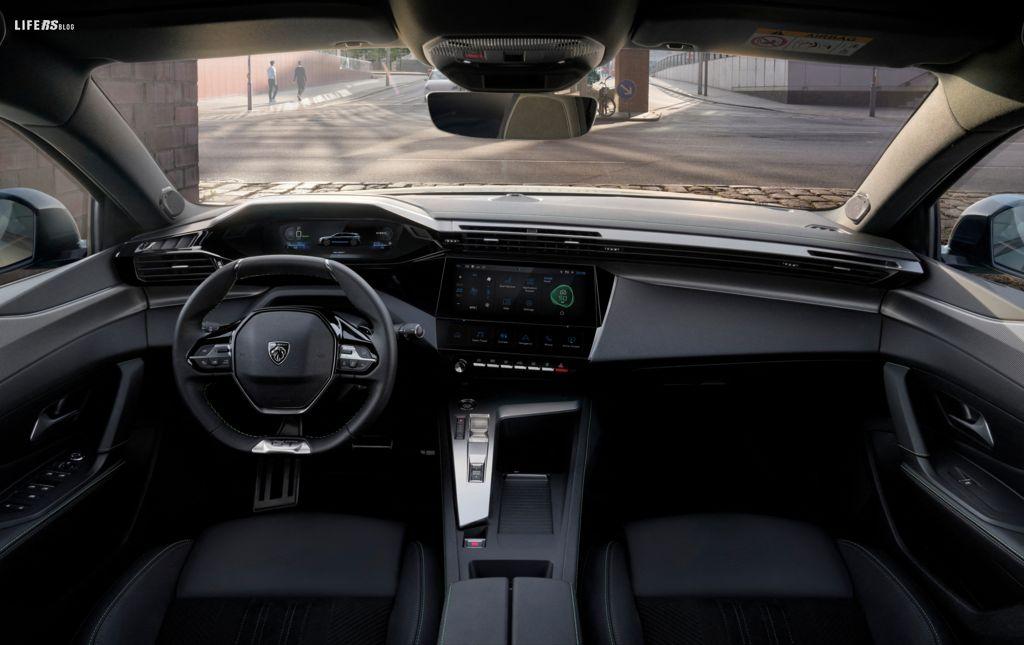 308 SW: design, efficienza, tecnologia e modularità