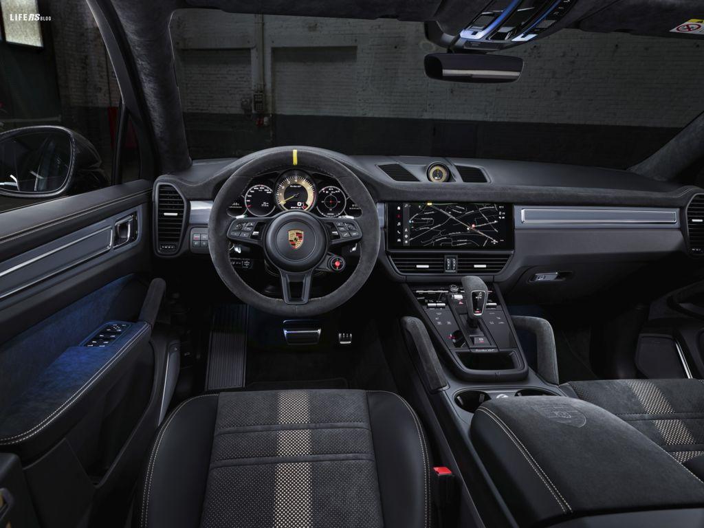 Cayenne Turbo GT si affida totalmente al motore termico