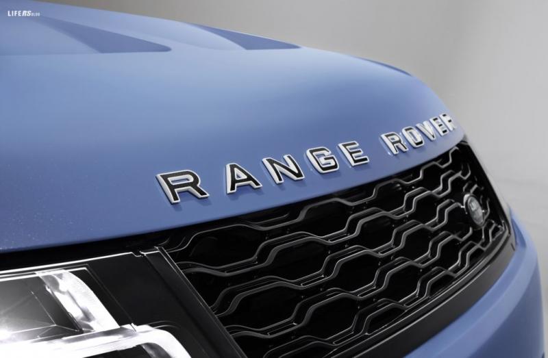 La nuova Range Rover Sport SVR Ultimate dona tutta l'esclusività delle creazioni SV Bespoke all'ammiraglia da 575 CV - il SUV più potente e veloce di LR.