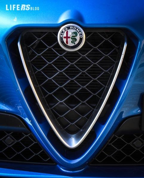 Test Drive Alfa Romeo Stelvio Quadrifoglio 2.9 V6 BI-TURBO